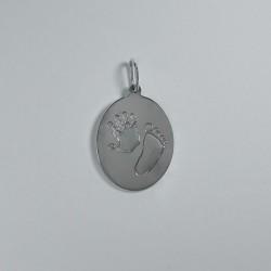 Stříbrný osobní šperk z otisku nožičky a ručičky - oválek se dvěma otisky