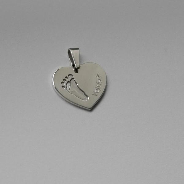Stříbrný osobní šperk z otisku nožičky a ručičky - srdíčko s jedním otiskem