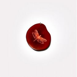 Osobní šperk z Tagua ořechu - vážka