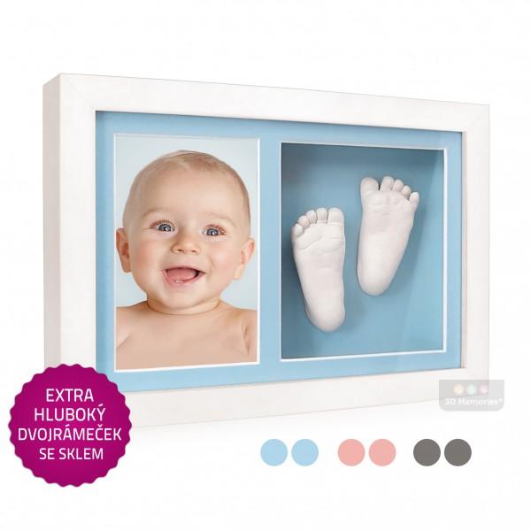 exta hluboký bílý dvojrámeček s fotografií, sádrovými 3D odlitky nožiček a modrými paspartami