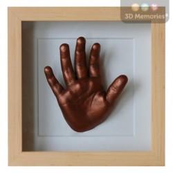 extra hluboký olšový rámeček s měděným 3D odlitkem ruky