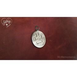 stříbrný osobní šperk 3D Memories s otiskem tlapičky - oválek