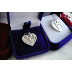 stříbrný šperk 3D Memories s otiskem nožičky a ručičky
